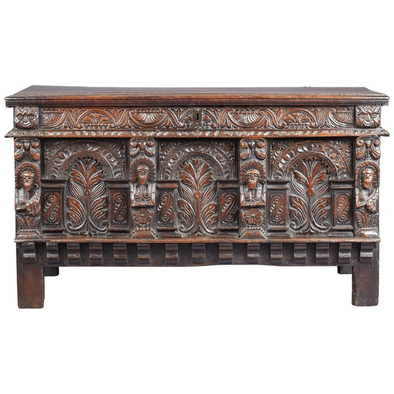 Elizabethan Oak Chest, Somerset, England, circa 1600 For Sale