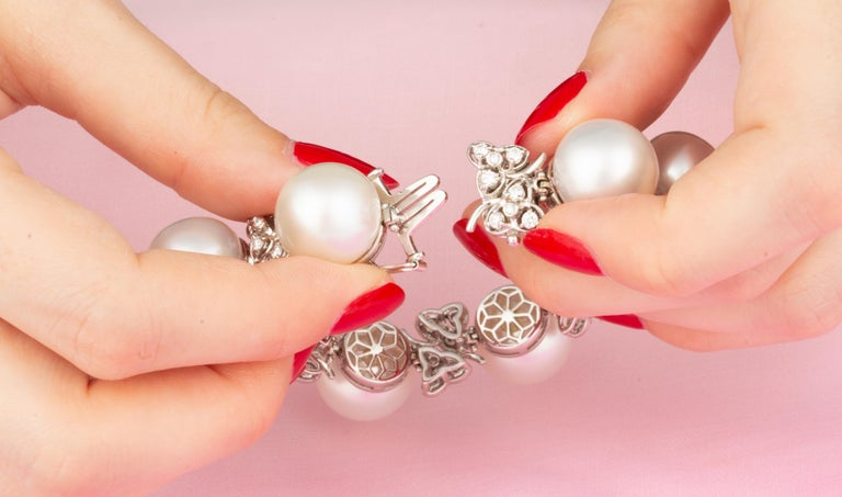 Ella Gafter Australian White South Sea Pearl and Diamond Bracelet For Sale 1