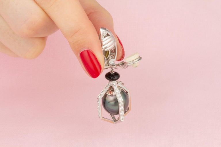 Ella Gafter Black Tahitian Pearl and Diamond Drop Earrings For Sale 5