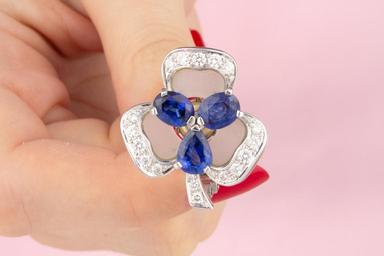 Ella Gafter Blue Sapphire and Diamond Clip-On Earrings Clover Flower Design For Sale 3