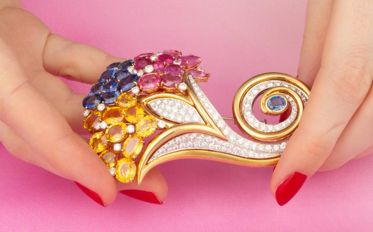 Ella Gafter Cornucopia Sapphire Diamond Brooch Pin In New Condition For Sale In New York, NY