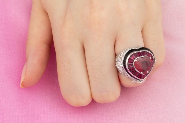 Ella Gafter Heart Shape Ruby and Diamond Ring with Onyx 4