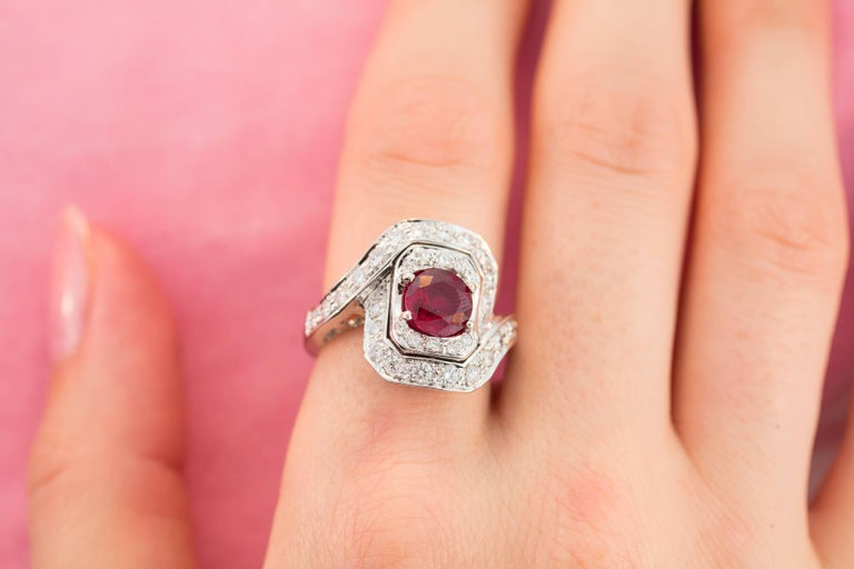 Ella Gafter Ruby and Diamond Ring In New Condition For Sale In New York, NY