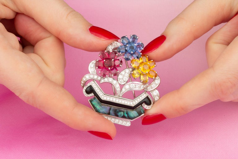 Ella Gafter Ruby Sapphire Basket Brooch In New Condition For Sale In New York, NY