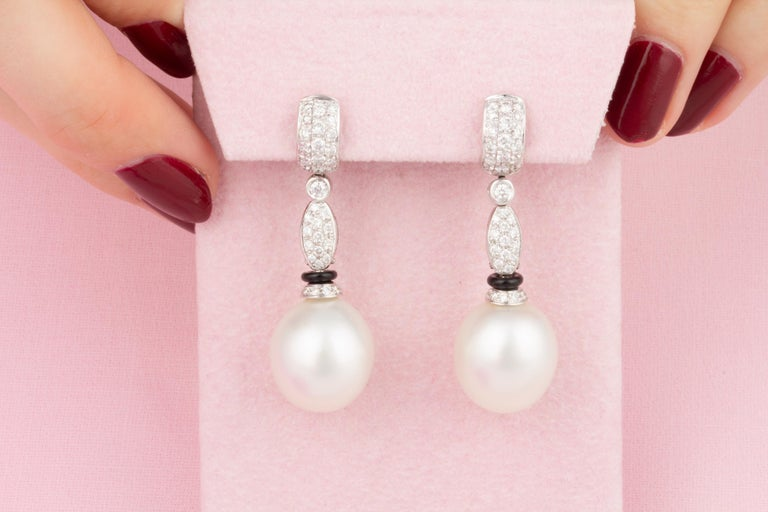 Ella Gafter South Sea Pearl Diamond and Onyx Drop Earrings In New Condition For Sale In New York, NY