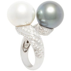 Ella Gafter Twin Pearl Diamond Crossover Cocktail Ring