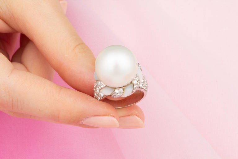 Ella Gafter White South Sea Pearl and Diamond Ring In New Condition For Sale In New York, NY