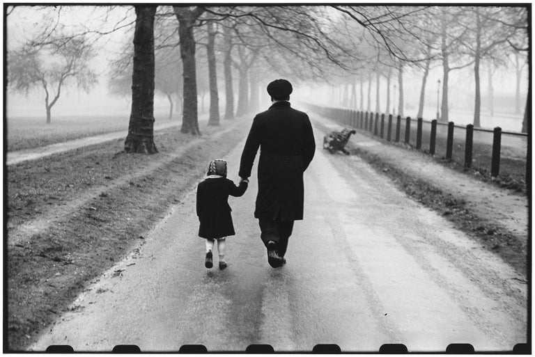 England, London, 1952 - Elliott Erwitt (Black and White Photography) Signed, inscribed with title and dated on accompanying artist's label Silver gelatin print, printed later  Available in four sizes: 11 x 14 inches 16 x 20 inches 20 x 24 inches 30