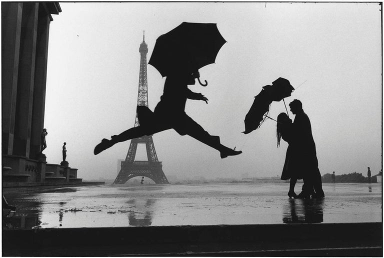 Elliott Erwitt Figurative Photograph - Paris, France