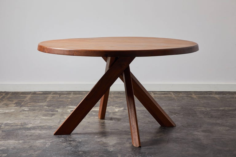 T21 dining table in solid elm wood by Pierre Chapo. Made in France, circa 1968.