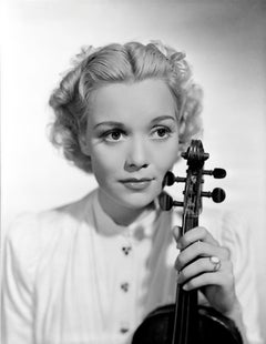 Jane Wyman Posed with Violin Movie Star News Fine Art Print