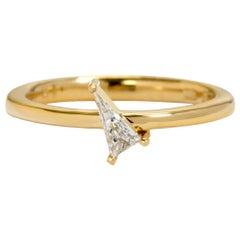 Elongated Modified Trillion Diamond Tenuis Verto Ring, 18 Karat Yellow Gold