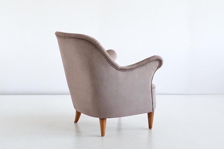 Upholstery Elsa Gullberg Armchair in Taupe Velvet and Elm, Sweden, Late 1930s For Sale