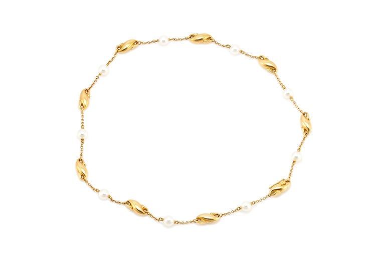 Elsa Peretti for Tiffany & Co. Gold and Mother of Pearl Necklace For Sale 1