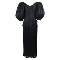 Emanuel Ungaro Haute Couture Black Fortuny Pleat Silk Huge Balloon Sleeve Gown