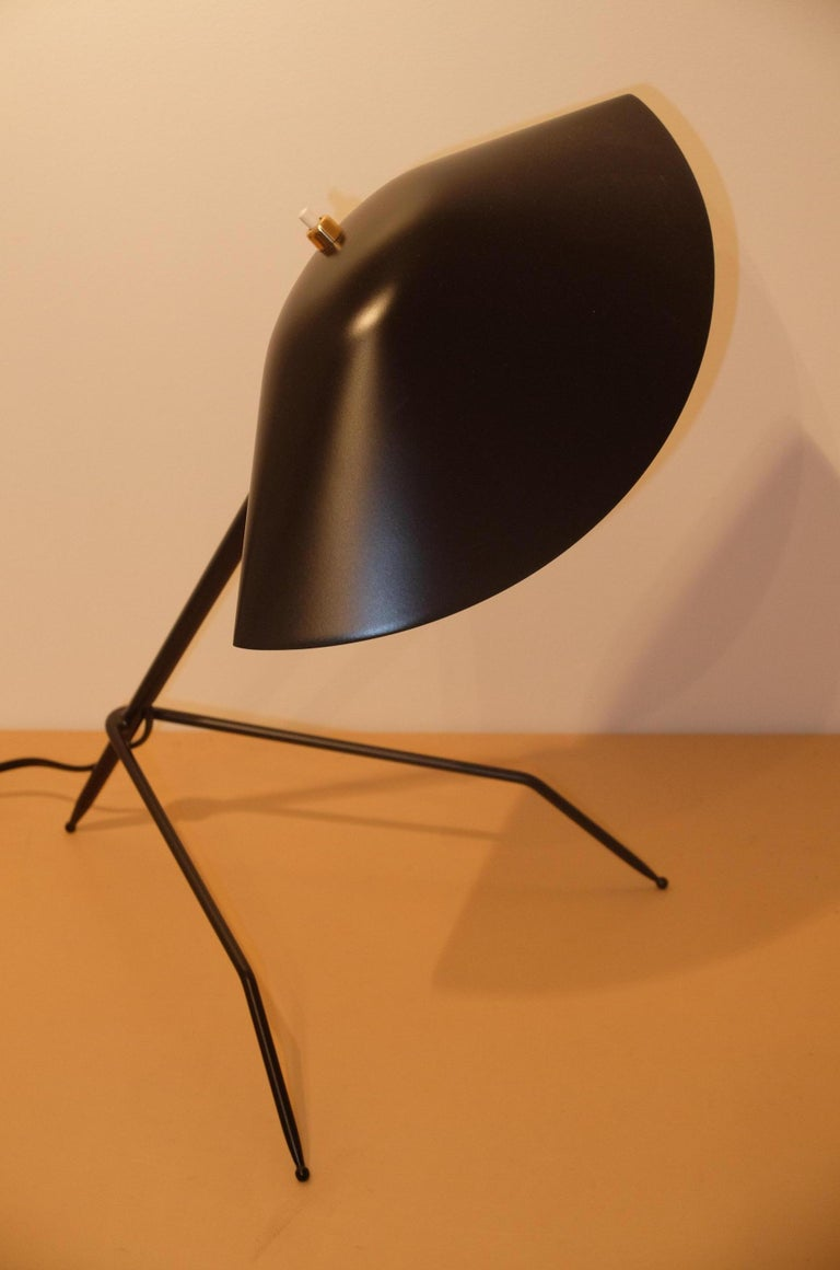 Emblamatic Serge Mouille Tripod Desk Lamp Table Lamp In New Condition For Sale In London, GB
