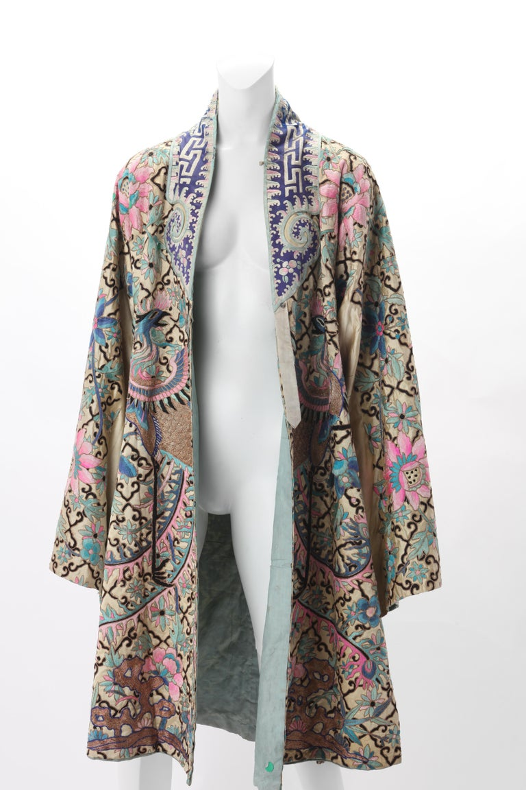 Women's Embroidered Chinese Export Robe, Early 20th Century. For Sale