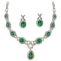 Emerald 14.73 Carat, White Gold Necklace Set