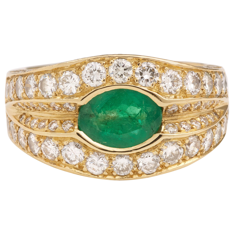 Emerald 2.50 Carat Diamond 18 Karat Yellow Gold Band Ring