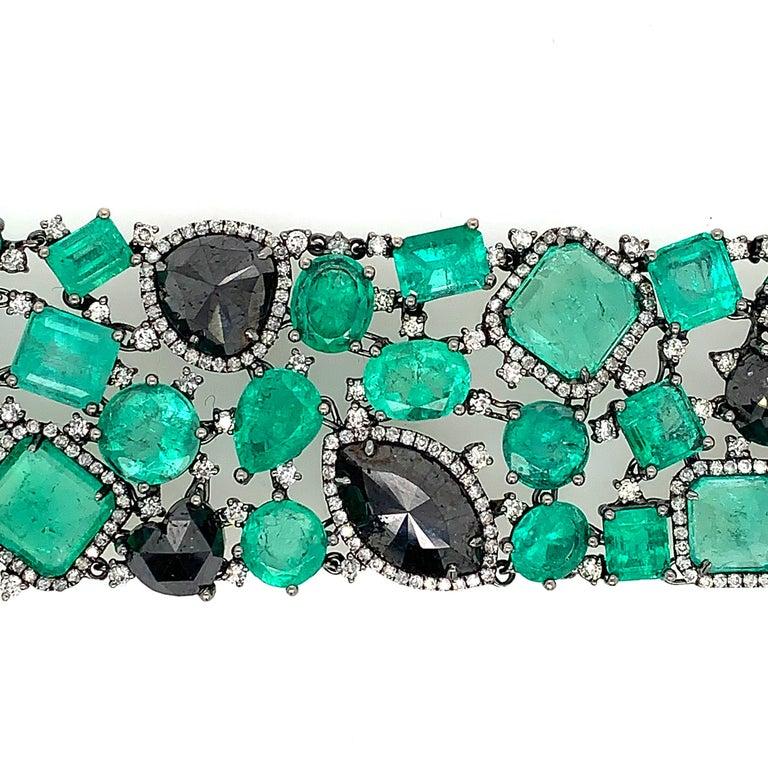 Round Cut Emerald and Black Diamond Bracelet For Sale
