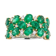 Diamond 4.09 ct Oval Cut Emerald Double Row Band in 18 kt two Tone Gold Ring