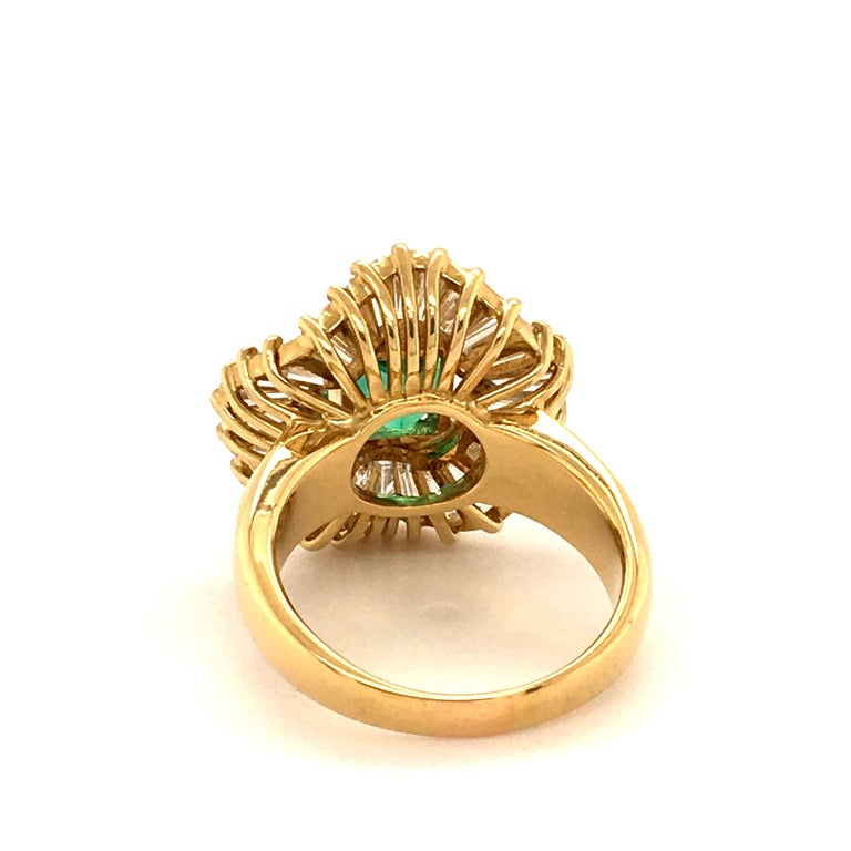 Emerald and Diamond Ballerina Ring in 18 Karat Yellow Gold For Sale 2