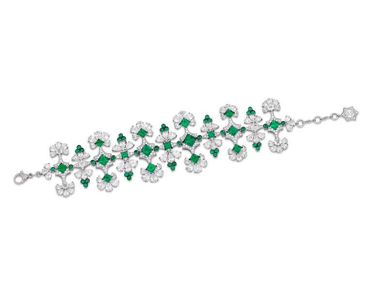 Pear Cut Emerald and Diamond Bracelet For Sale