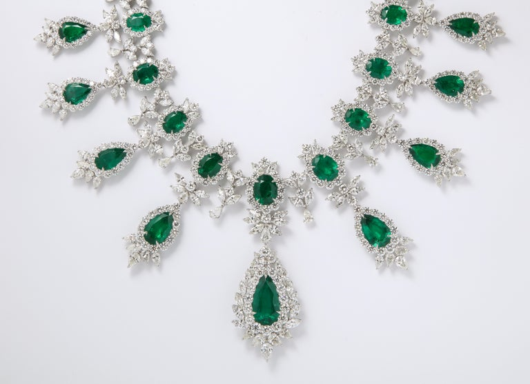 Emerald and Diamond Drop Necklace In New Condition For Sale In New York, NY