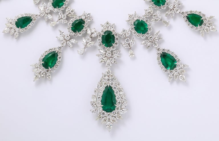 Emerald and Diamond Drop Necklace For Sale 3