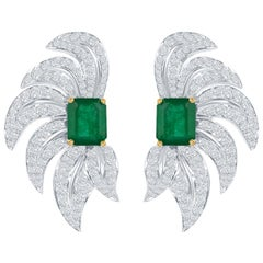 Takat Emerald And Diamond Earring In 18K White Gold
