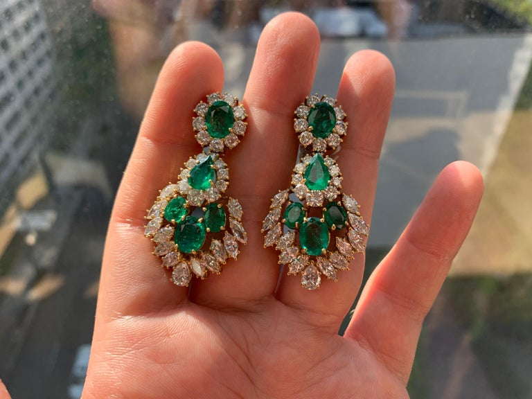 Women's Emerald and Diamond Earrings For Sale