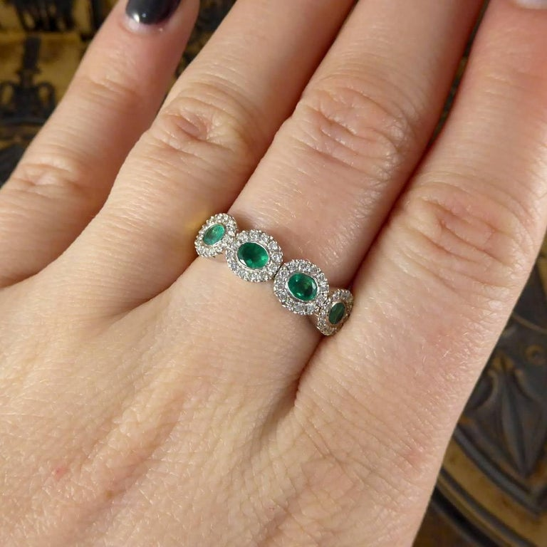 Emerald and Diamond Four-Stone 18 Carat Gold Cluster Ring For Sale 3