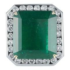 Emerald and Diamond Men's Ring in 18 Karat Gold