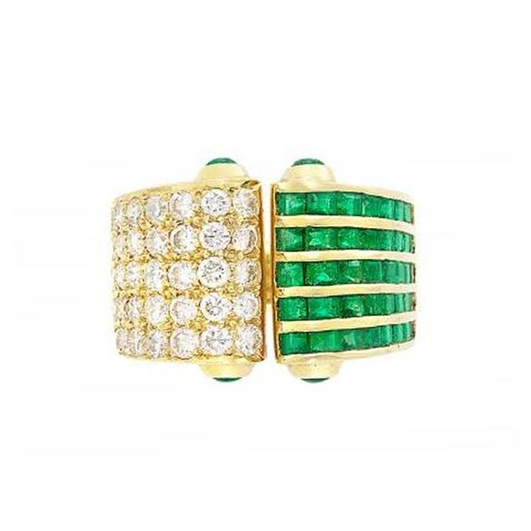 Emerald and Diamond Open Ring, 18 Karat Yellow Gold In Excellent Condition For Sale In New York, NY