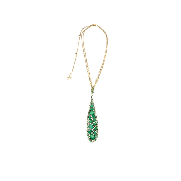 The most abundant color on Earth and the one most easily perceived by the human eye is green, known to relax the retina and calm our nerves.  Emerald it's the perfect springtime gem, because its color evokes the freshness of nature and new growth.
