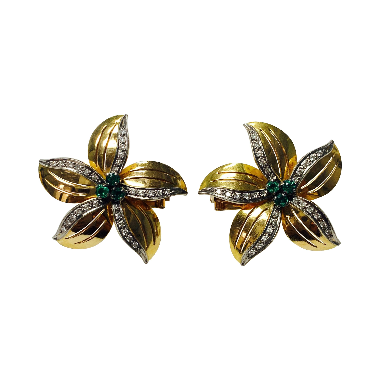 Emerald and Diamond Stud Earrings in 18k Yellow Gold