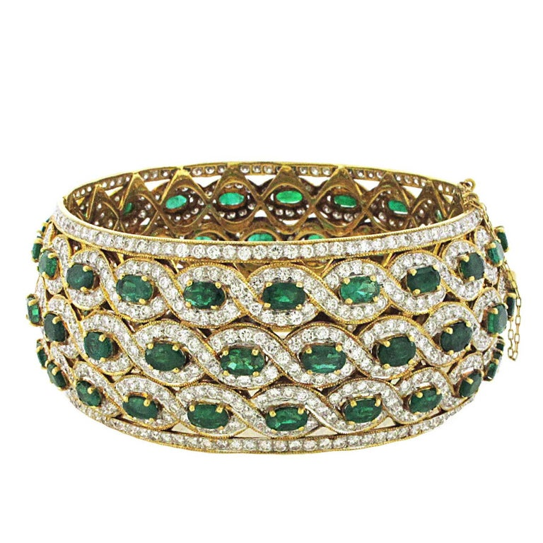 Emerald and Diamond Yellow Gold Cuff Bangle, over 15 Carat of Emeralds, 20 Karat