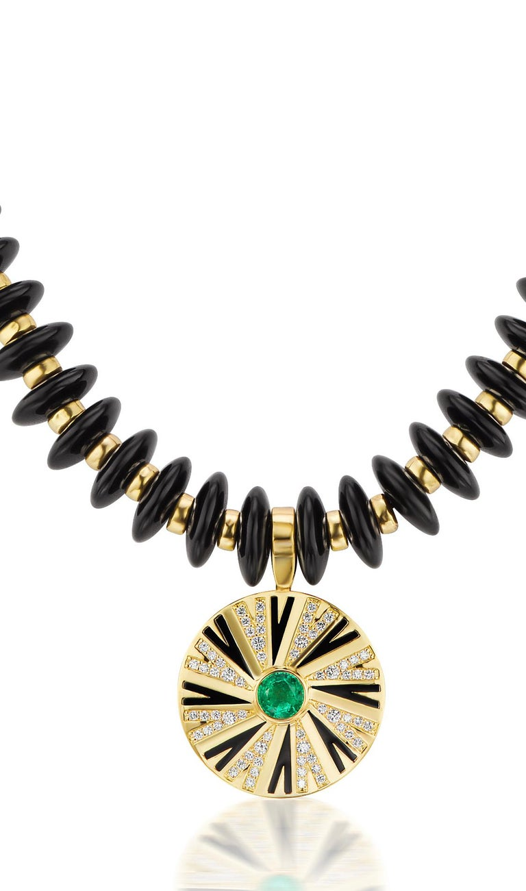 Emerald and Diamonds Pendant on Onyx and Gold Necklace In Excellent Condition For Sale In Dallas, TX