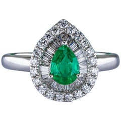 Emerald and Diamonds Ring 18 Karat Gold