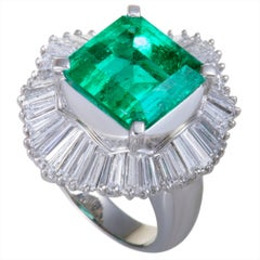 Emerald and Tapered Baguette Diamonds Platinum Cocktail Ring