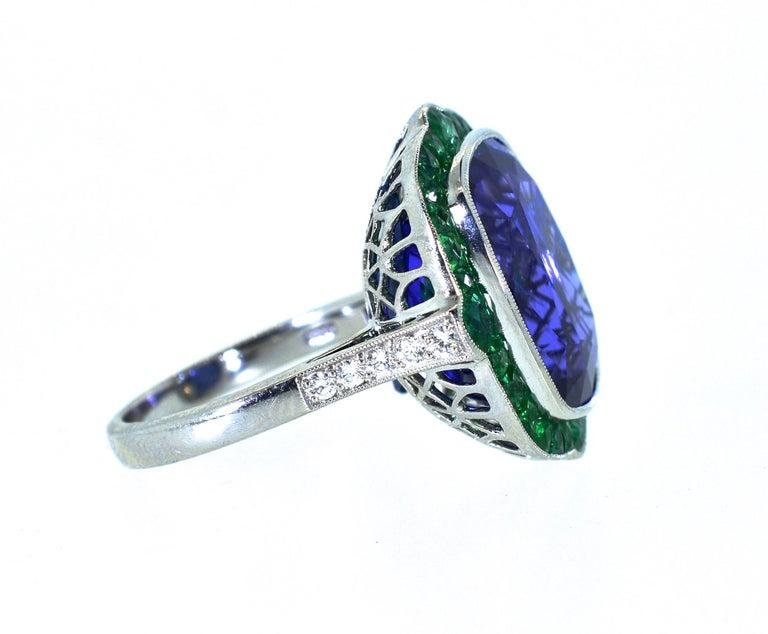 Emerald and Very Fine Tanzanite Platinum Ring For Sale 5