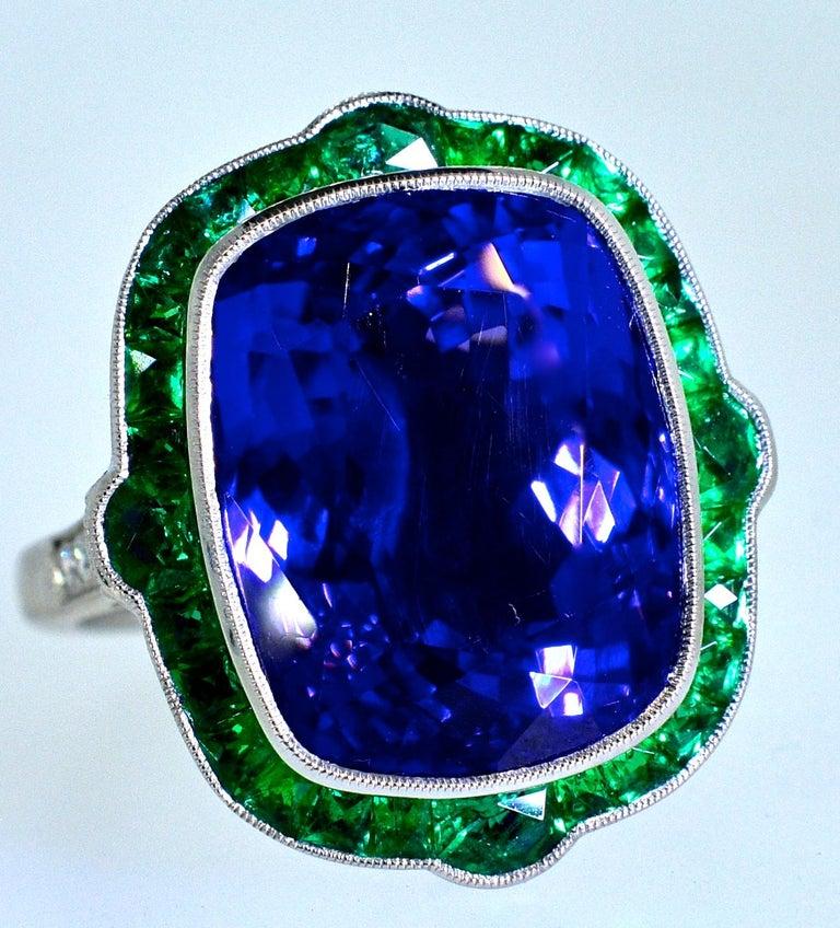 Contemporary Emerald and Very Fine Tanzanite Platinum Ring For Sale