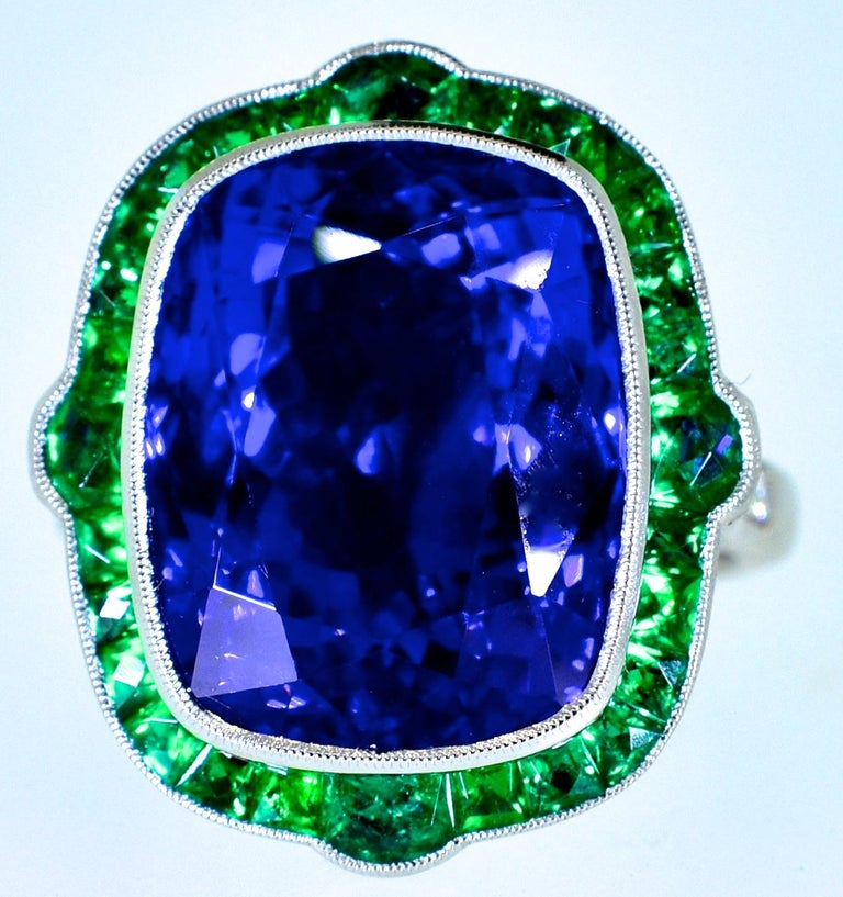 Women's or Men's Emerald and Very Fine Tanzanite Platinum Ring For Sale
