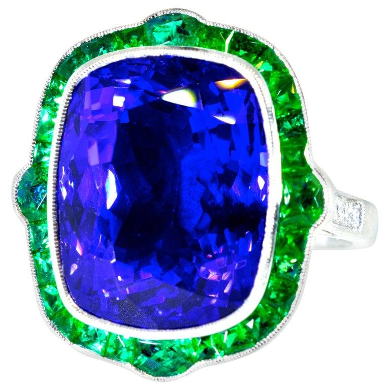 Emerald and Very Fine Tanzanite Platinum Ring For Sale