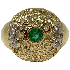 Emerald and White Diamond Ring in Yellow Gold