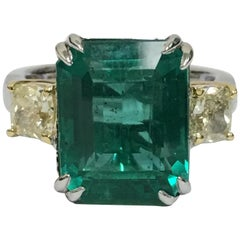 Emerald and Yellow Diamond Ring