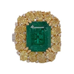 Emerald and Yellow Diamonds Ring
