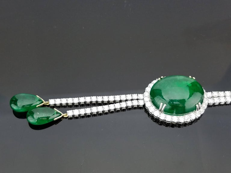 Modern Emerald Cabochon and Diamond 18 Karat Gold Necklace For Sale