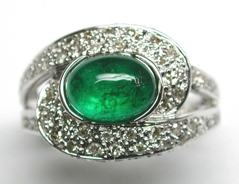 Emerald Cabochon and Diamond Ring In New Condition For Sale In Admiralty, HK