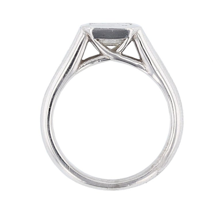 Modern Emerald Cut 1.01 Carat Diamond 14 Karat Gold Signet Ring For Sale